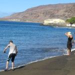 plage de sable noir aux vertus terapeutiques